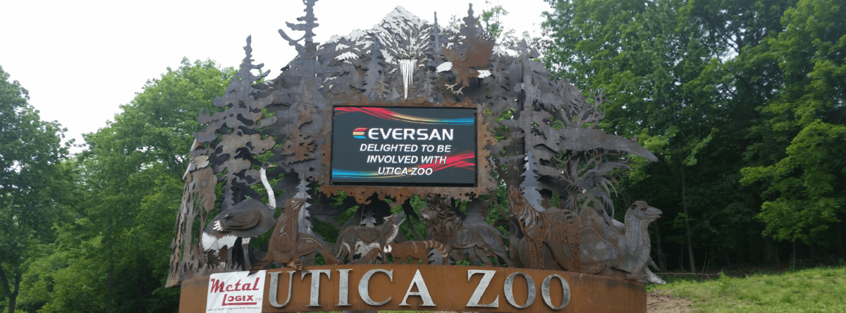 Utica Zoo Entry Sign in Utica, NY